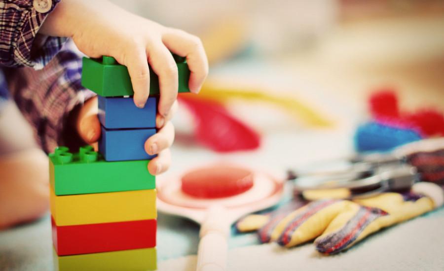 Επίδομα Παιδιού: Τι Προβλέπει το Νέο Πολυνομοσχέδιο